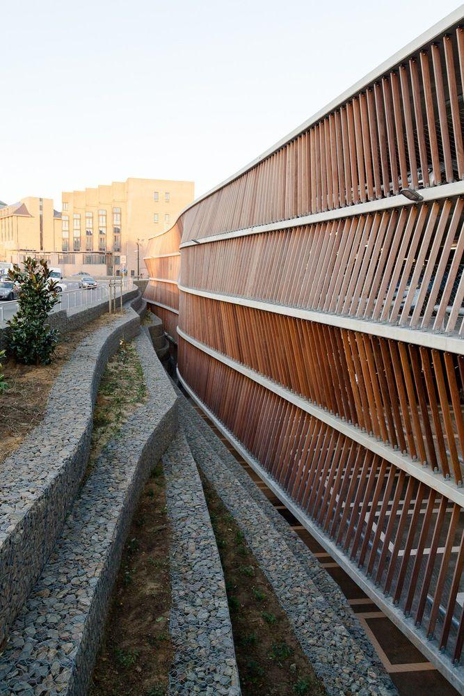 Gallery of Parking Garage Cliniques Universitaires Saint-Luc / de Jong Gortemaker Algra + Modulo architects - 8