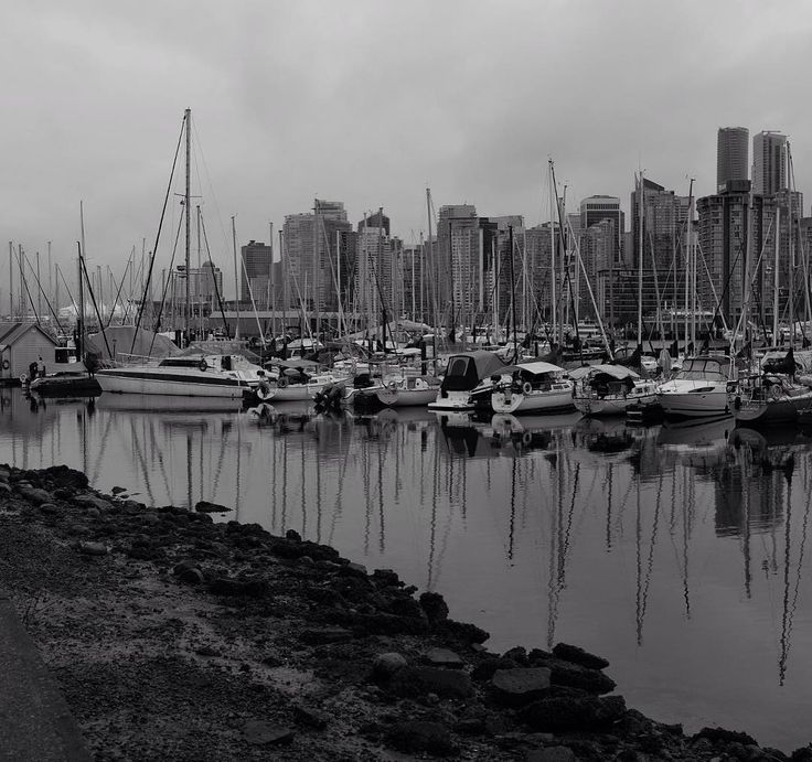 Vancouver mood  #yvr #travel #instatravel #bnw #bnwmood #bnw_city #bnwphotography #sailboats #vancouver #stanleypark #mood #gloom #winter #westcoast