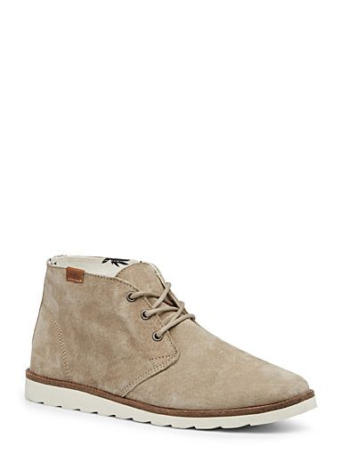 Chukka desert boots by Vans at Djab - Surf-inspired style #maisonsimons #djab #vans #chukka #bottes #boots #suede #streetwear