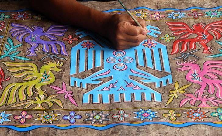 Una de las actividades más importantes de Pahuatlán, incorporado a la lista de Pueblos Mágicos es la elaboración de papel amate, cuya denominación de origen pertenece a la comunidad de otomíes San Pablito, a ocho Kilómetros Foto SECTUR Puebla
