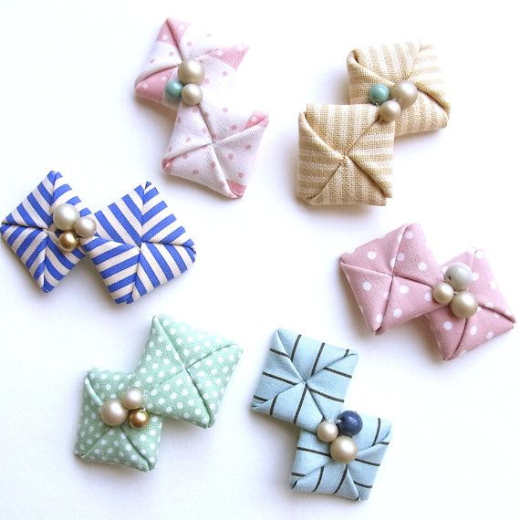 Fabric origami hair clips | HOMAKO via Etsy.com.
