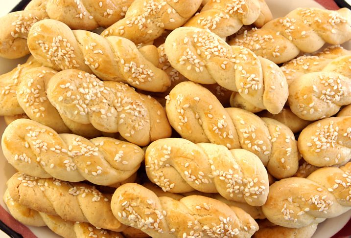 This Greek butter biscuit cookie recipe produces a light and fluffy pastry popular in Greece around Easter.