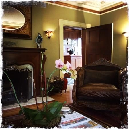 Abbeymoore Manor Bed and Breakfast Inn (Victoria, British Columbia) - TripAdvisor - Prices, Deals, B&B Reviews, Location & Map