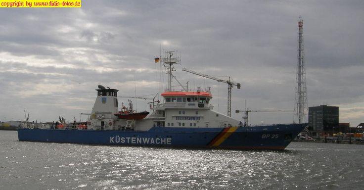 Küstenwachboot in Cuxhaven