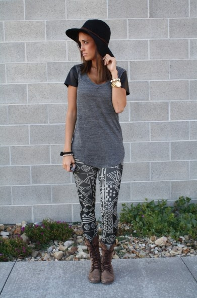 I kind of really want these leggings! Greek Aztec Leggings