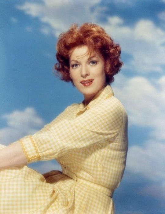 Maureen O'Hara makes even gingham look glamorous...1950s picture ~ as seen at http://olacollection.blogspot.com/2011/03/redhead-crush-maureen-ohara.html