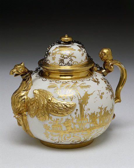 Teapot and Lid Irminger, J.J. (model); Seuter, Abraham (painting). Germany, Meissen. Circa 1711-1730