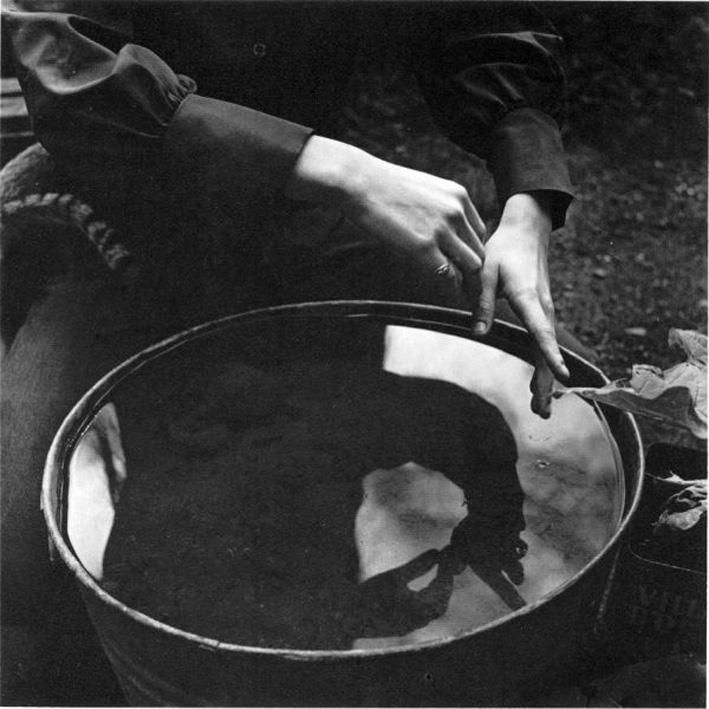 Imogen Cunningham-Hands (1971)