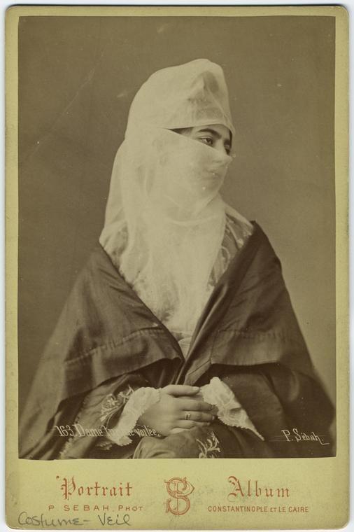 Dame turque voilée