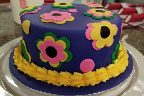 Cake Boss Decorating Icing Recipe : 17 Best ideas about Cake Boss Buddy on Pinterest Buddy ...