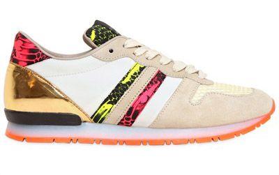 Le #sneakers fluorescenti sono il nuovo trend: #Gucci , #Lanvin , #Armani, passando per #Zanotti e #Nike, fino ad #Adidas e# Puma . http://www.sfilate.it/225499/sneakers-fluo-eldorado-moda