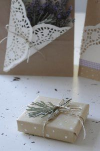 Simple wrapping ideas using brown paper and lavender