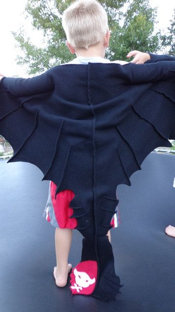 * Toothless Dragon Cape Costume cosplay Halloween by EpicInspiration