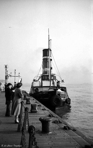 "Rea's tug ""Dongarth"", Liverpool landing stage 1958"