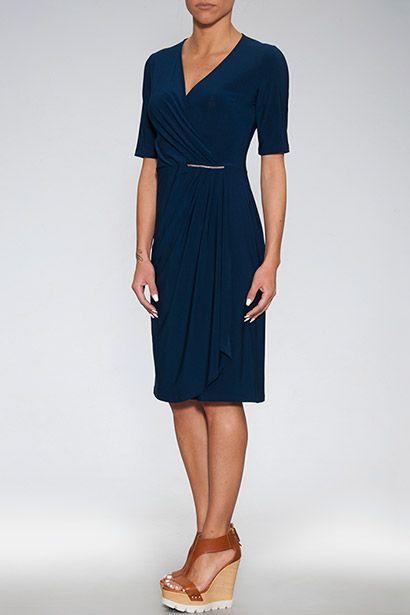 Καθημερινό εφαρμοστό κοντομάνικο φόρεμα