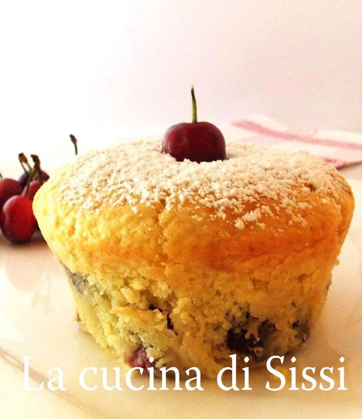 RICETTE BIMBY - MUFFIN CON CILIEGIE E RICOTTA http://blog.giallozafferano.it/cucinasissi/muffin-con-ciliegie-ricotta/