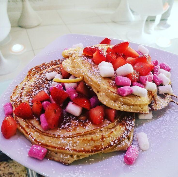 Panquecas para todos os gostos estão na MYiCED® 😋 #pancakes #panquecas #myiced #instafood #marshmallows