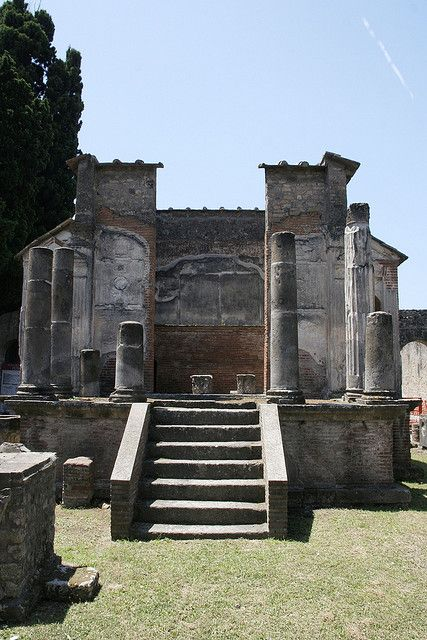 Isis temple in Pompeii