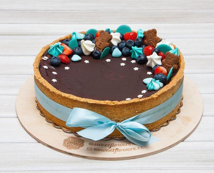 Další den a další dort. Tentokrát je to cheese cake pro malého oslavence k jeho prvním narozeninám.  Ещё один день и ещё один торт. На этот раз это чизкейк для маленького именинника на его первый день рождения.  #cake #dort #cheesecake #dortypraha #sladkosti #narozeniny #happybirthday #narozeninovydort #dortpoděbrady #jahody #boruvky #merengue #instafood #instasweet #dortprodĕti #pečení #cukroví #sweetcakes #czech #czechrepublic #poděbrady #praha #nymburk #kolin #Pardubice #VelkýOsek #Pečky