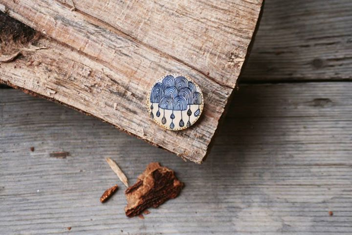 Hand-painted wooden brooch with cloud pattern: painted with acrylic paint, varnished.