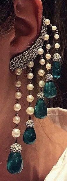 JAR Paris. Impressive Emerald, pearl and diamond earrings. #JAR #JARParis #JoelArthurRosenthal