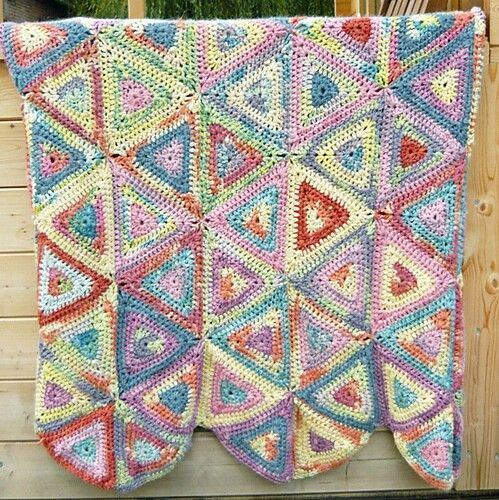 Oxfam Knitting Pattern For Blankets : Triangles quiltghans Pinterest Triangles