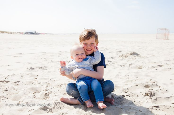 Fotograaf Ouddorp | Familiefotoshoot strand Ouddorp (20)