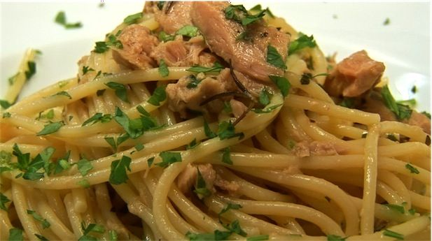 Spaghetti with Tuna Sauce (Spaghetti al tonno)