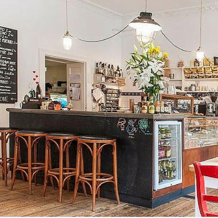 Unverfälscht, gemütlich und einfach schön das mediterrane Café - kleine bar furs wohnzimmer