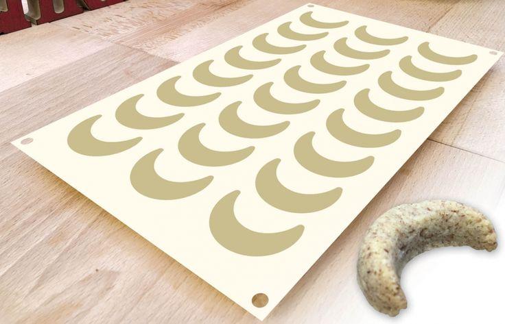 SIL-3 ,Silikonová pečící forma na vanilkové rohlíčky 29x17,5cm