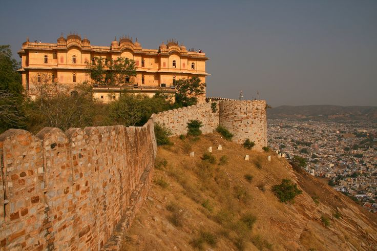 Nahargarh Fort stands on the edge of the Aravalli Hills. It is located in the Indian state of Rajasthan. Explore this fort by Palace on Wheels train.