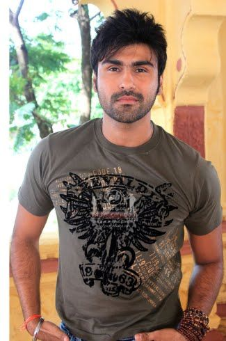 Arya Babbar Real Height Age Weight Body Measurements