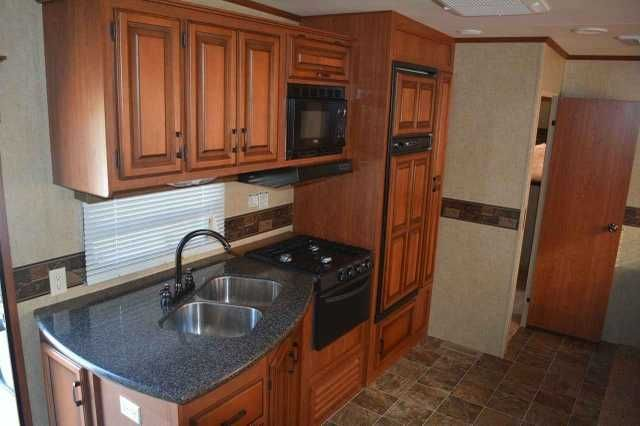 2013 Used K-Z Manufacturing Durango 1500 Fifth Wheel in Oklahoma OK.Recreational Vehicle, rv, 2013 KZ Durango 1500 D286BH 5th Wheel Travel Trailer. This trailer is made to be pulled with a half-ton pickup. The Durango D286BH is a 34ft Bunkhouse Fifth Wheel manufactured by KZ. This trailer is in excellent condition and has no mechanical or cosmetic issues. It sleeps a maximum of 9 people. Trailer includes the following accessories: heavy duty Kingpin Stabilizer, 2 slide-out stabilizer jacks,