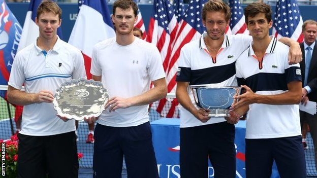 (l-r) John Peers, Jamie Murray, Nicolas Mahut and Pierre-Hugues  Herbert   Britain's Jamie Murray and Australian John Peers missed out on a first Grand Slam men's doubles title as they were beaten in the US Open final. French 12th seeds Pierre-Hugues Herbert and Nicolas Mahut beat the eighth seeds 6-4 6-4 at New York's Flushing Meadows.