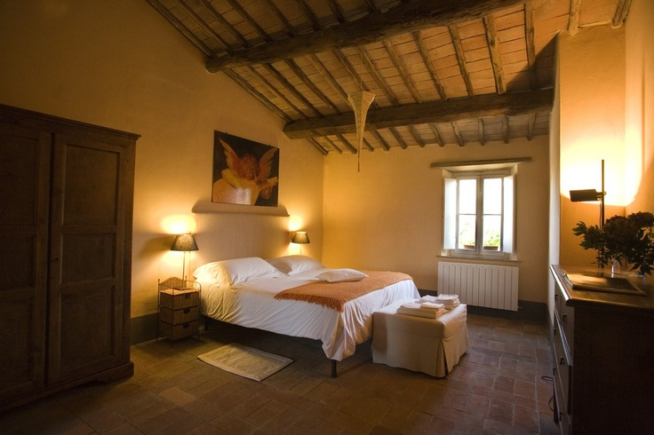 Casale Monticiano  Italian Style Holiday Homes
