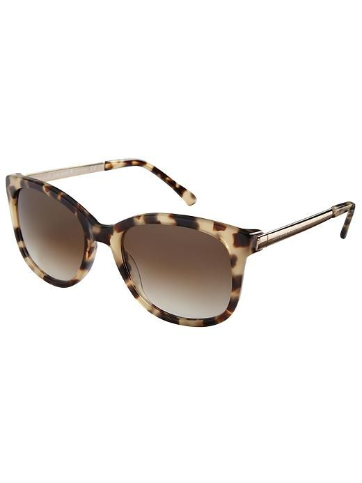 RB aviator sunglasses are perfect for any face shape. No matter the style or color, RB will always have an option just for you!