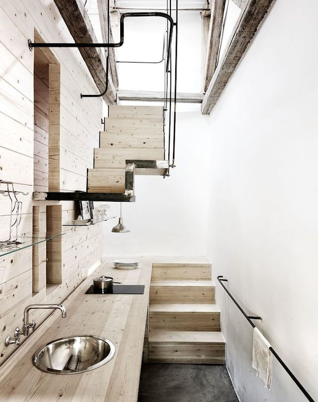 Visit | A renovated blacksmith's warehouse - French By Design