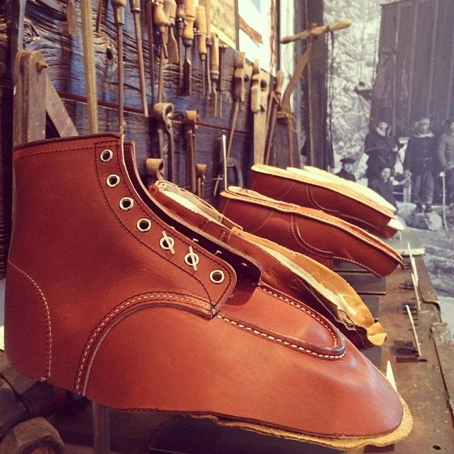 Red Wing 8131 Vs 9106
