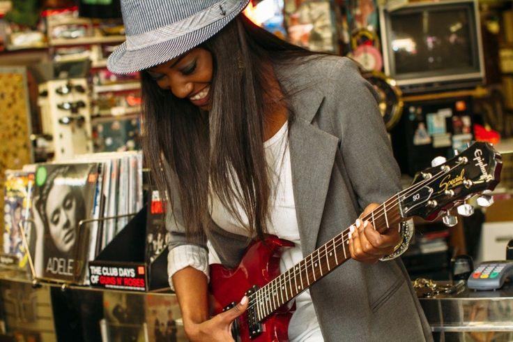 Je moet het zelf doen. Of je nu wilt leren gitaar spelen of wilt gaan besparen lees de post op mijn blog