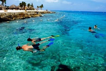 Snorkeling at Chankanaab Nature park in Cozumel