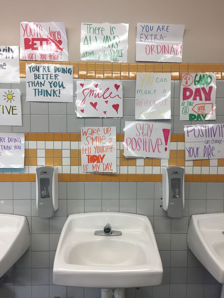Niente specchi nei bagni. Una scuola californiana ha fatto qualcosa di meraviglioso per le ragazze