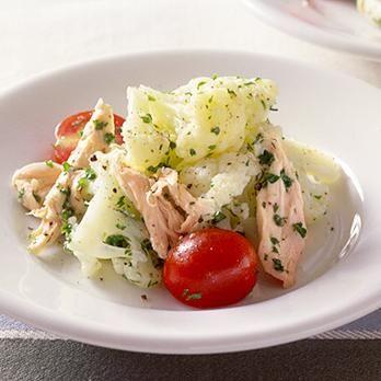 レタスクラブの簡単料理レシピ ヘルシーサラダをたっぷりと「カリフラワーサラダ」のレシピです。