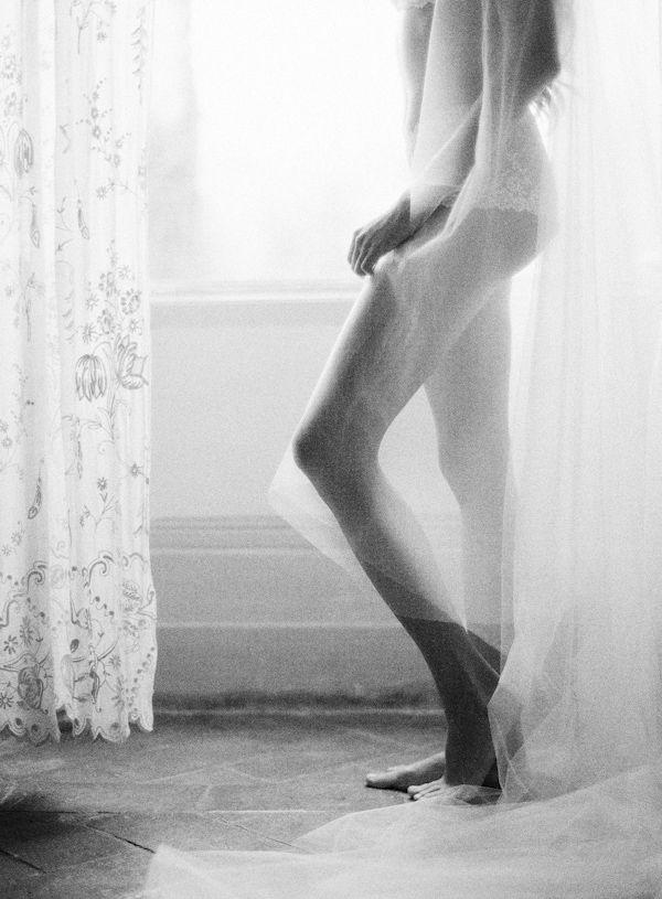 bridal boudoir perfection, photo by Catherine Mead Photography | via junebugweddings.com