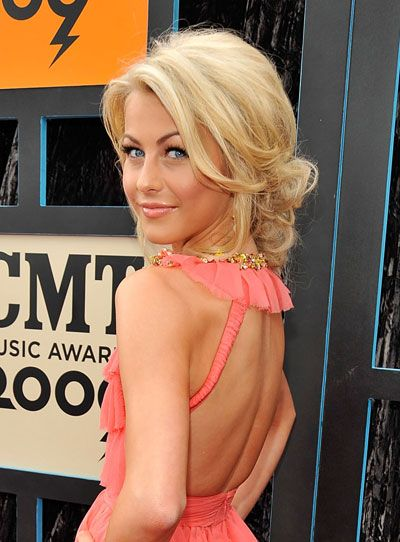 cute: Julianne Hough, Weddings Hairstyles, Up Do, Makeup, Updos, Hairs Styles, Hairs Color, Bridesmaid Hairs, Low Buns