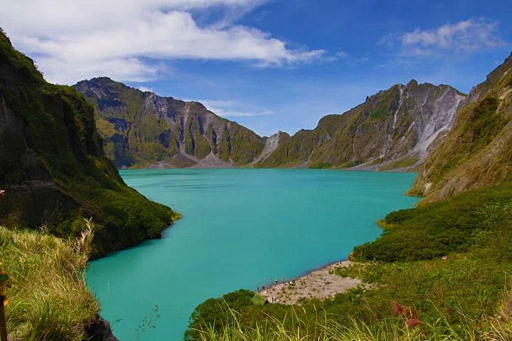 Mount Pinatubo, Philippines 2012 © Allen Alligam