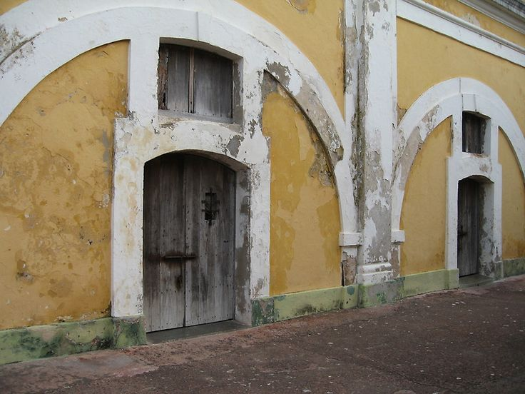 Old City, Puerto Rico:  Canon Digital Elph, original photo