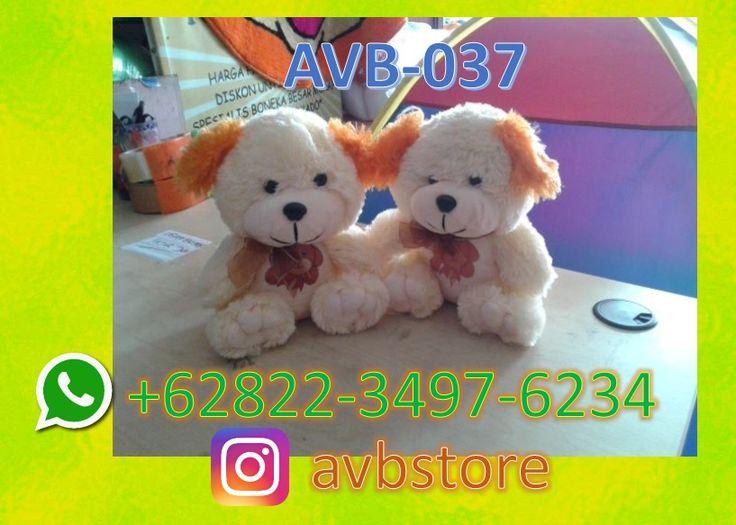 Boneka Beruang Besar Sekali, Boneka Beruang Biru Besar