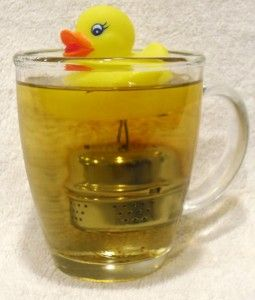 I wanted to make this for my DIL for Christmas, but couldn't find all of the pieces...  Isn't it cute???  The duck and tea ball are from the $1 store!