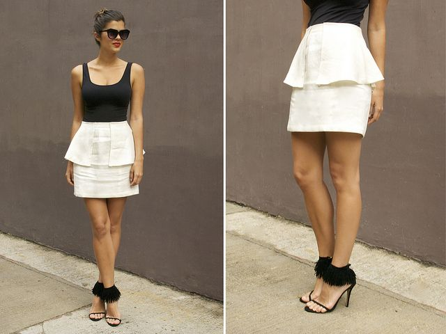.:* L - love this DIY Peplum (two layer) skirt. And obviously the shoes/anklets. Gorgeous! [by apairandaspare, via Flickr: you'll need: You need: - A flared hem skirt (examples here and you'll find them in thrift stores ) - Scissors- A sewing machine - Thread matching your skirt - Pins]