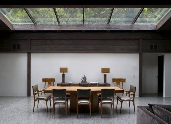 glazen plafond boven de eetkamer